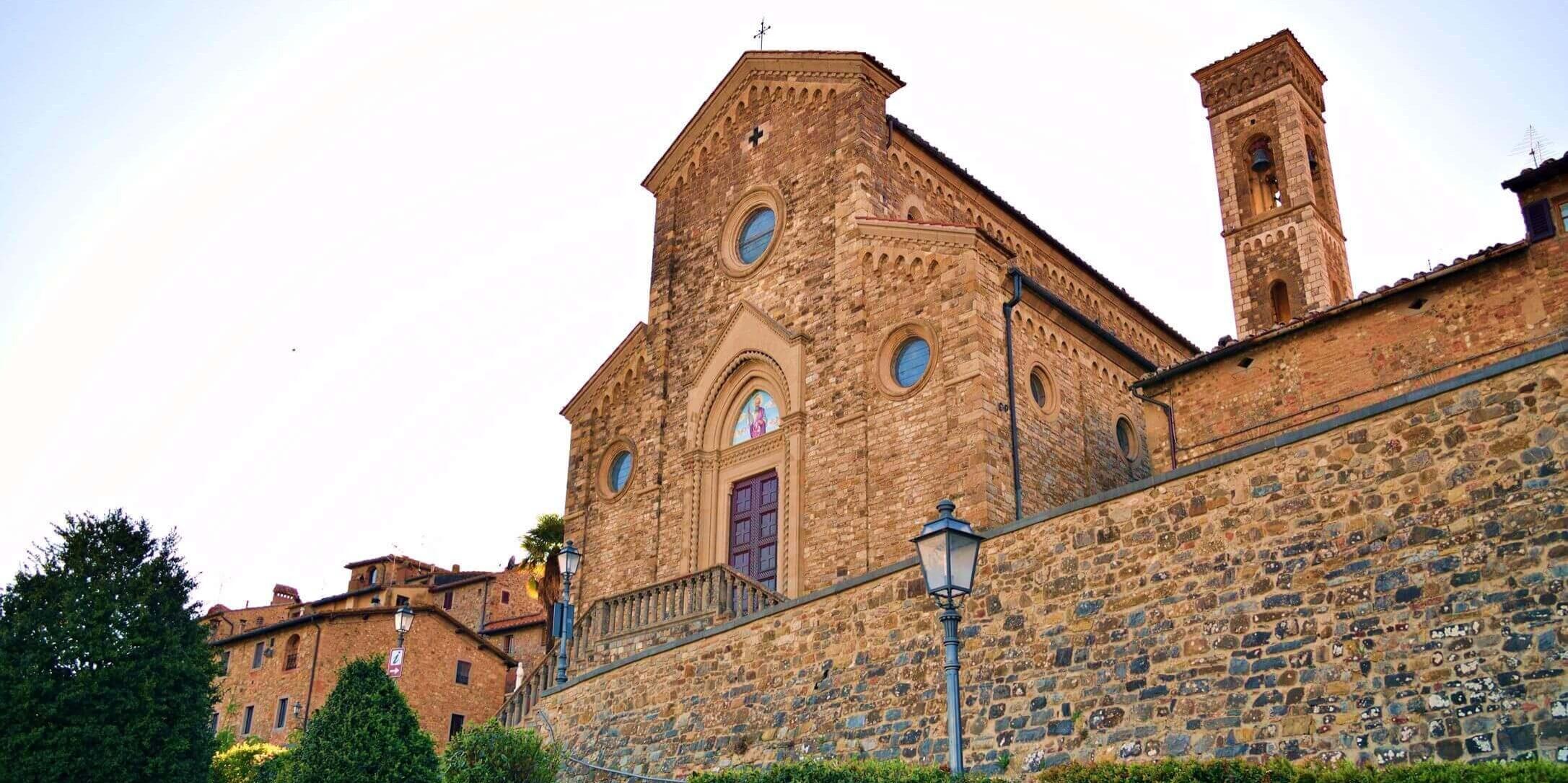 02-VisitChianti-Barberino-Val-d'Elsa-Pieve-di Sant'Appiano-shutterstock_1662559858-2173x1566